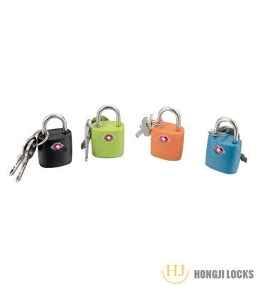 What is the difference between Golden Dot Atomic Padlock 33 series and 32 series?